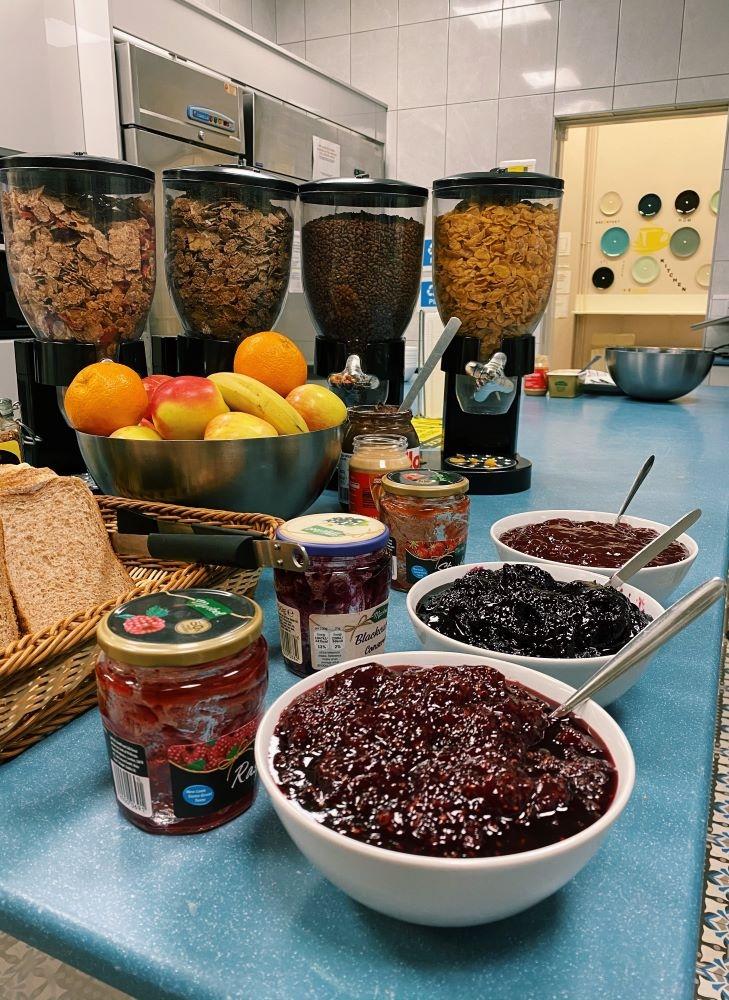 Free Breakfast at Gardiner House Hostel