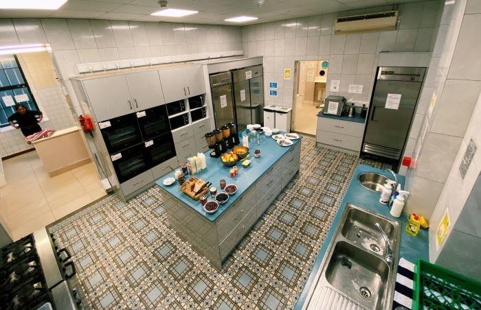 Well-equipped kitchen at Gardiner House Hostel, Dublin, Ireland